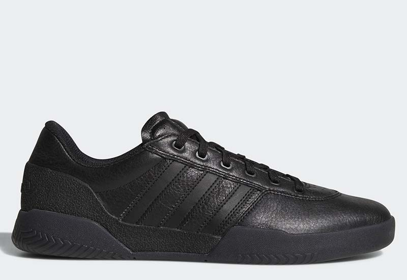 Adidas City Cup - Core Black / Core Black / Gold Metallic