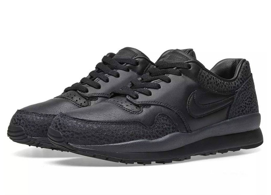 Nike Air Safari - Black / Anthracite